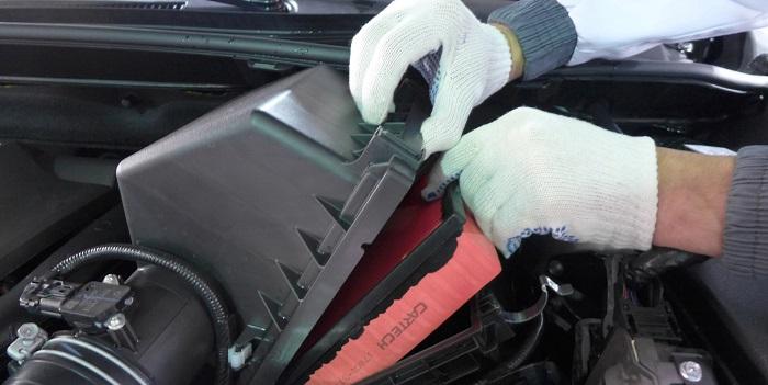 Воздушный фильтр в автомобиле