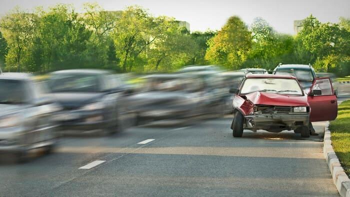 Виновник ДТП без страховки ОСАГО скрылся с места аварии