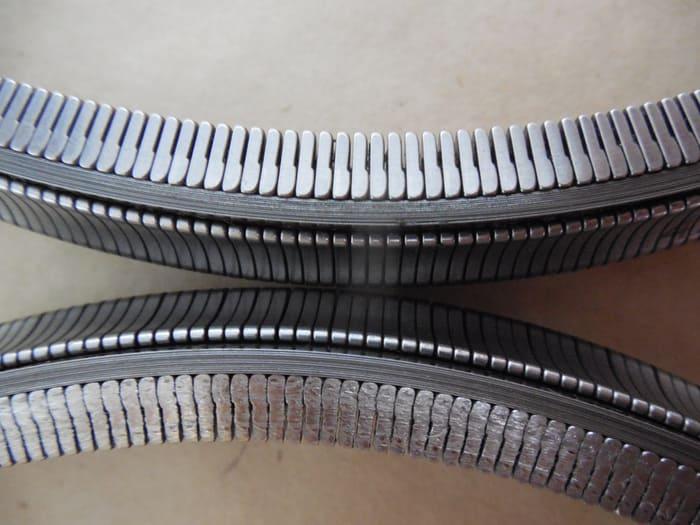 Широкая пластинчатая цепь из стали