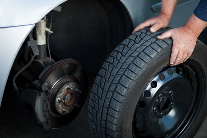 Как правильно поставить колеса на автомобиль